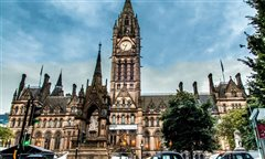 Brussel Charleroi - Manchester (with return) from 33.98€