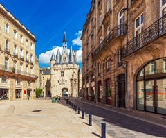 Lisbon - Bordeaux (with return) from 48.98€