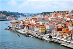 Paris Beauvais - Porto (with return) from 30.66€