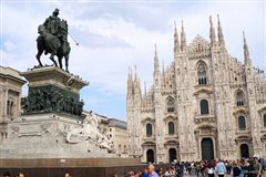 Brussel Charleroi - Milan Bergamo (with return) from 29.98€